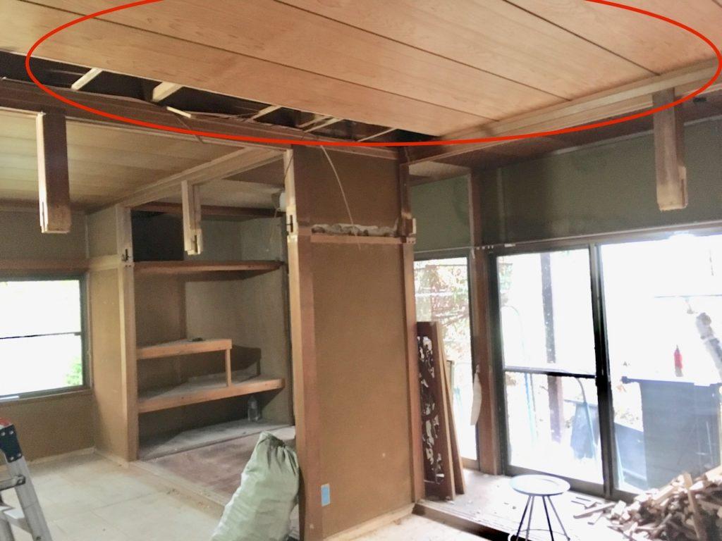 【DIY】和室の吊り天井をぶち抜いて、吊束もDIYで撤去する