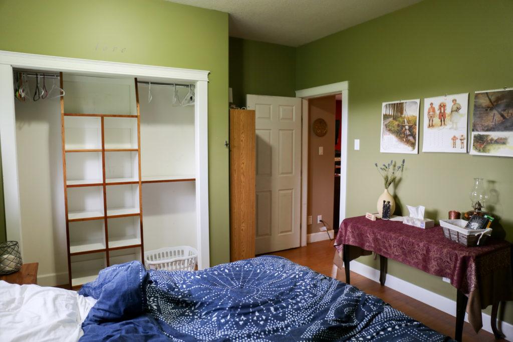 海外の家のベッドルーム
