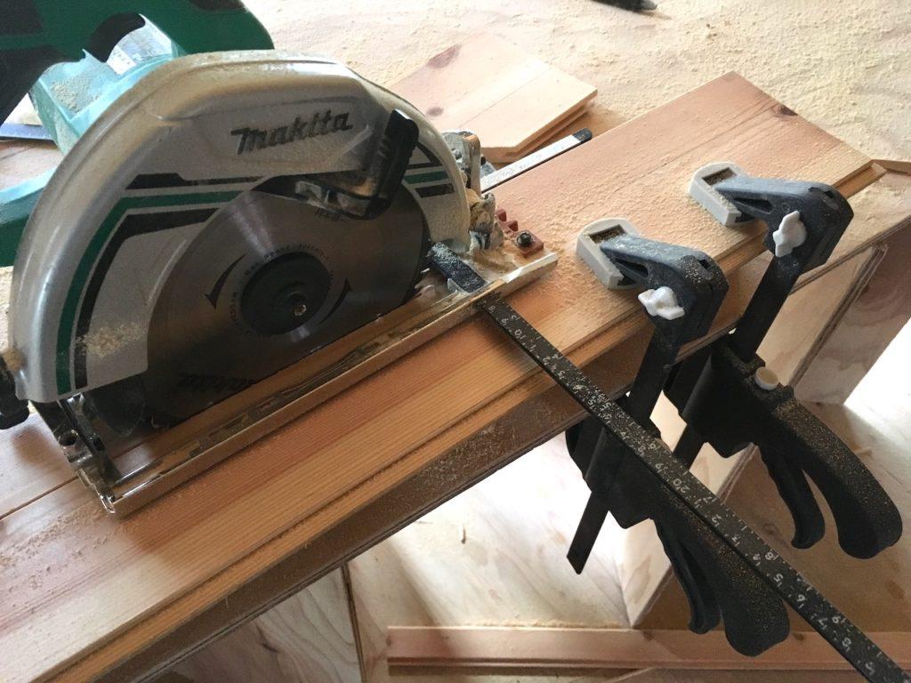 【DIY】丸ノコでウッドパネルを縦切りします。