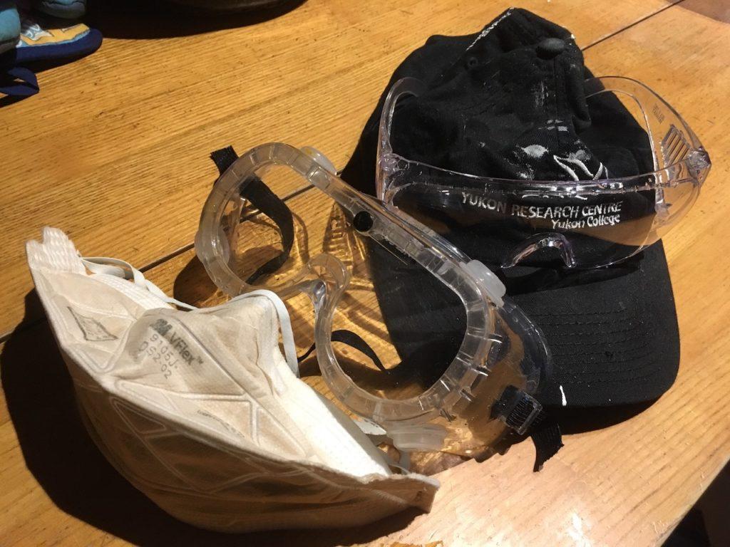 DIYでの作業を安全に進めるためには、正しい服装が大切です。
