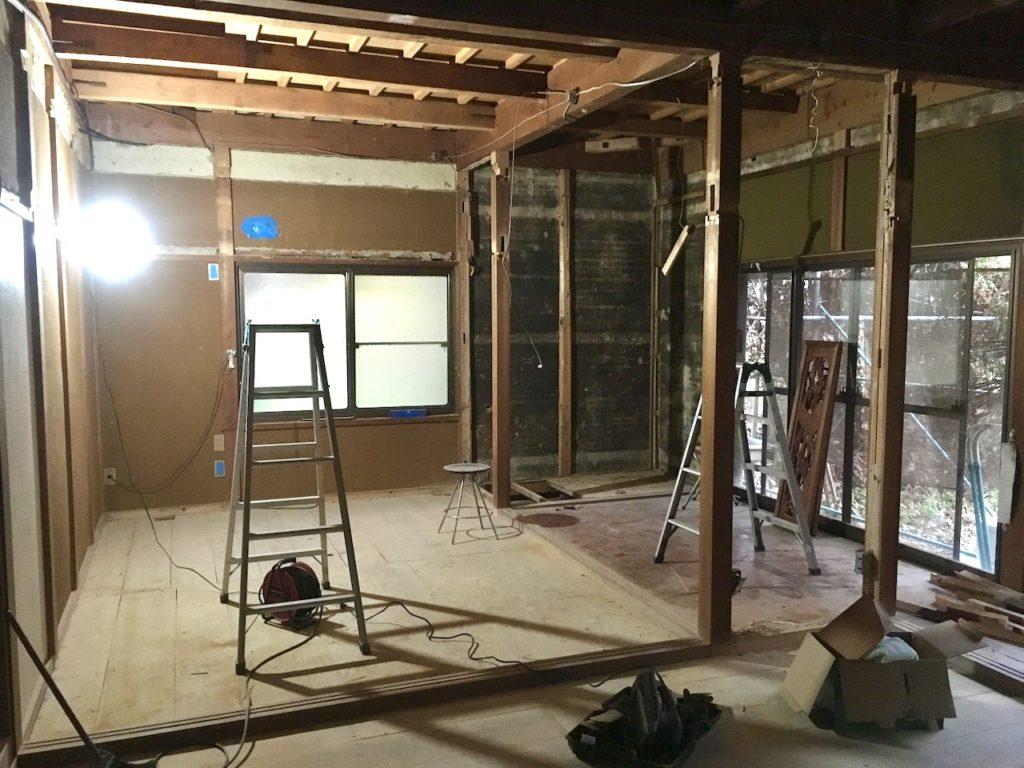 和室の砂壁はDIYで撤去可能です。