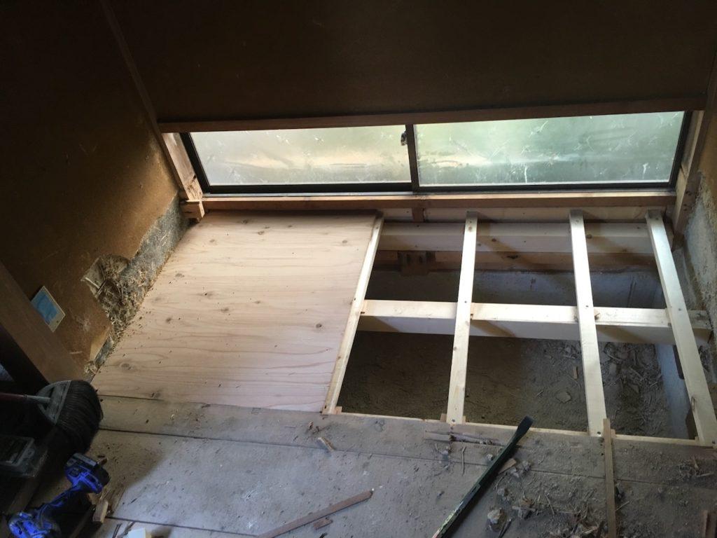 和室の床の間を撤去後にフラットにする