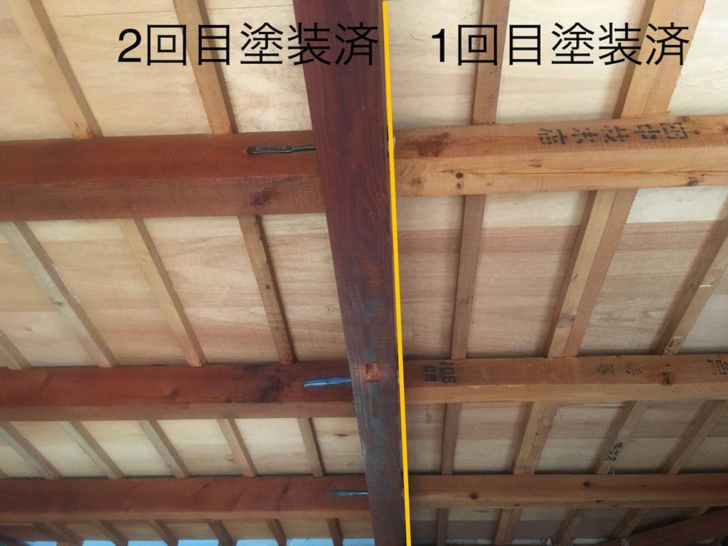 梁を研磨しネオステインで塗装する。