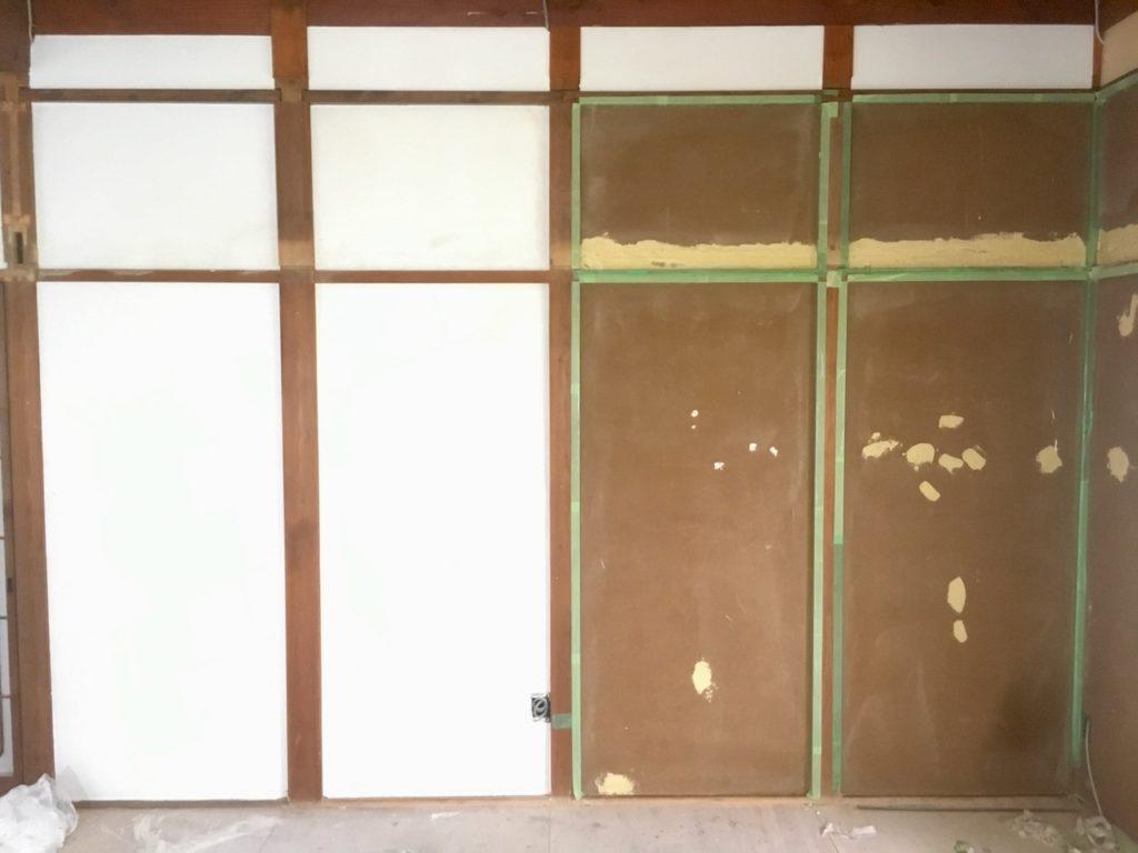 【DIY】初心者でも漆喰を綺麗に塗る方法を解説します。難しそうに感じますが、コツを押さえれば簡単です。