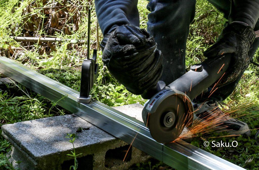 高儀の変速ディスクグラインダーDGR-110SCAは金属の切断や研削にも使えるのでおすすめです。