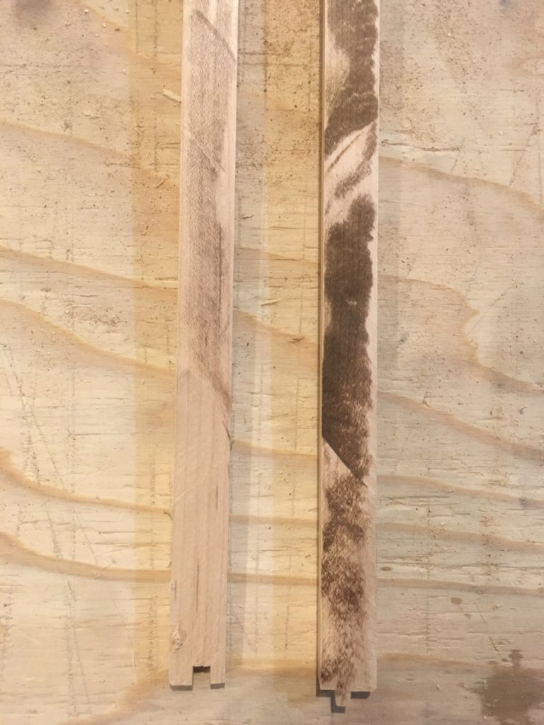マキタの鮫肌と安い刃で切った木材を比較してみた。 丸ノコ付属の安い刃は真っ黒焦げになりましたが、鮫肌の方は綺麗に切れました。