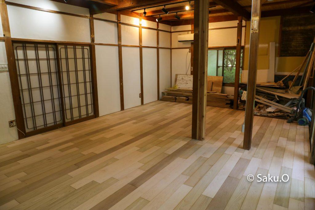 和室をリノベーションして無垢フローリングを貼る。