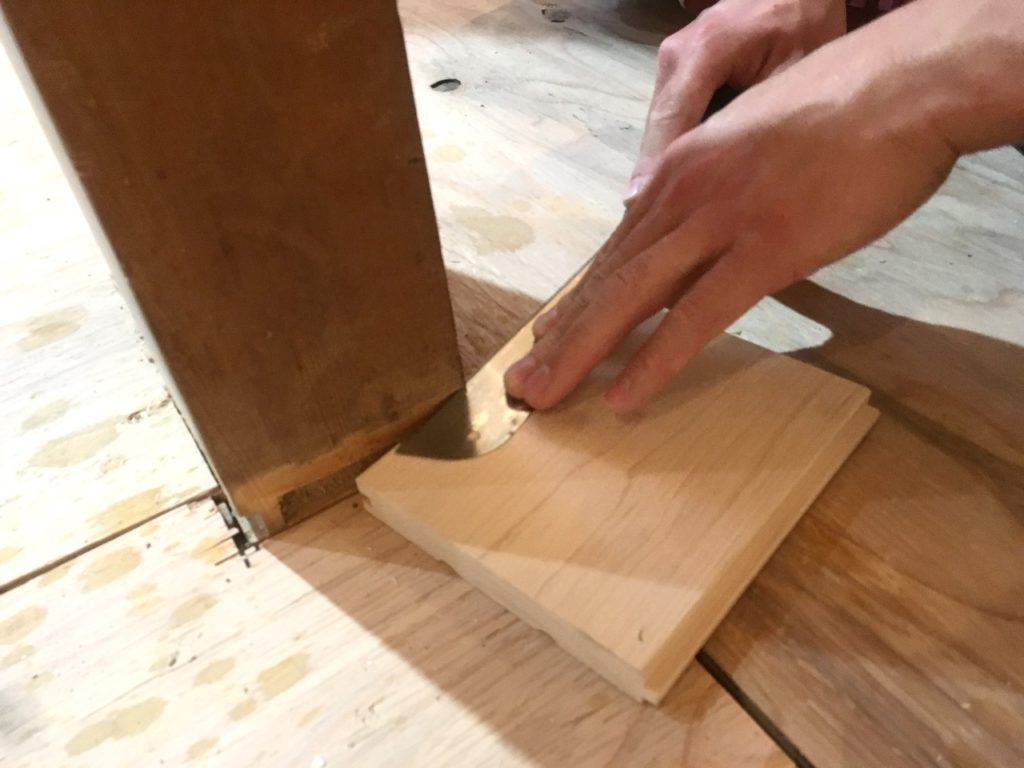 【DIY】柱まわりのフローリングを綺麗に貼る方法を解説します。